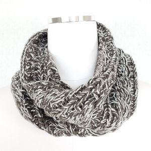 Gertex Chunky Cable Knit Neck Warmer Gray